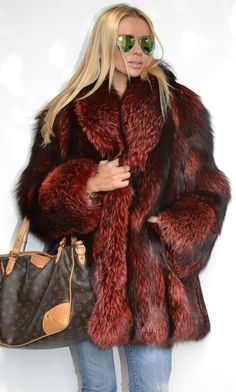 Italian Royal Saga Fox Silver Fur Coat Jacket Like Sable Mink Chinchilla Lynx. Ok chill out on this one PETA lmao Moda Outfits, Chic Outfits, Winter Outfits, Winter Wear, Autumn Winter Fashion, Fur Fashion, Womens Fashion, Style Feminin, Fox Fur Coat