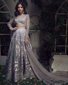 Looking For Reception Lehengas Under 5 Lakhs? Heres A Good Designer Duo To Check Out Falguni Shane Reception Lehengas are perfect for those of you looking for unique one of a kind design for your wedding day. Every lehenga price given here. Gold Lehenga, Bridal Lehenga, Lehenga Choli, Lehenga Blouse, Sarees, Muslim Wedding Dresses, Indian Wedding Outfits, Indian Outfits, Wedding Lenghas