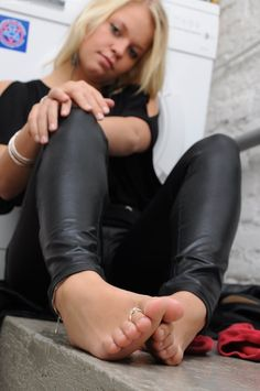 soles foot Punk girl