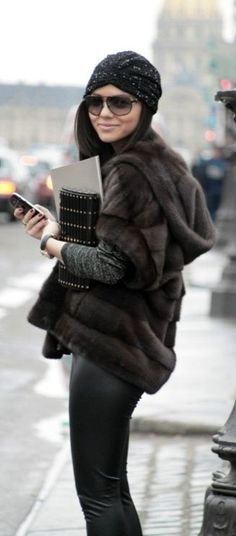 Outfit : short sleeve fur jacket with leather Estilo Fashion, Fur Fashion, Look Fashion, Womens Fashion, Fashion Trends, Winter Wear, Autumn Winter Fashion, Winter Chic, Fall Winter