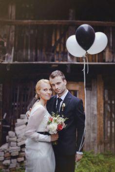 wedding portraits with balloons | onefabday.com