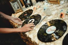 old records as a guestbook alternative - throwback thursday ~ troy & megann's glamorous spring wedding Party Deco, 20s Party, Disco Party, Moms 50th Birthday, 40th Birthday Parties, Retirement Parties, Birthday Ideas, Motown Party, Hip Hop Party