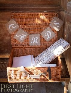 Picnic Basket With Cards Bunting Made Sure Wedding Guests Didnt Have