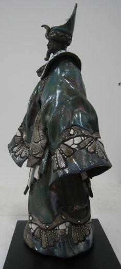 PAUL BECKRICH (France) -  samouraï  Voir d'autres sculptures de cet artiste dans le tableau Céramique raku