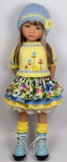 This should be in the doll category ,but the outfit is so brilliant , that it needs to be in 'crafts', so i can copy it one day. Sewing Baby Clothes, Crochet Doll Clothes, Knitted Dolls, Girl Doll Clothes, Doll Clothes Patterns, Crochet Dolls, American Girl Outfits, Ropa American Girl, American Doll Clothes