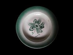 Moderna uma outra nem tanto: Prato de cozinha art déco verde com flores estiliz...