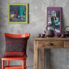frames and pillow Colorful Frames, Wingback Chair, Interior Inspiration, Accent Chairs, Sweet Home, Throw Pillows, Interior Design, Bed, Table