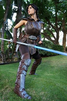 Abby Dark-Star as Satele Shan Batman Christian Bale, Jedi Cosplay, Cosplay Costumes, Diy Costumes, Cosplay Ideas, Batman Begins, Satele Shan, Fighting Poses, Sexy Costumes For Women