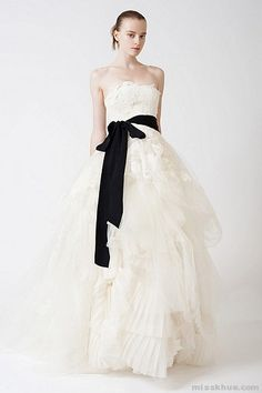 Vera Wang: Eliza, just add sleeves, and this is my future dress