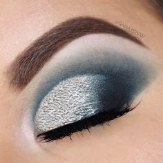 Glam makeup look using the Morphe X Jaclyn Hill Dark Magic palette from the vault collection. - dramatic makeup looks - edgy makeup - cruelty free makeup products - cruelty free makeup looks Dramatic Wedding Makeup, Wedding Makeup Tips, Dramatic Eye Makeup, Beautiful Eye Makeup, Bridal Makeup Looks, Dramatic Eyes, Blue Eye Makeup, Eye Makeup Tips, Makeup Products