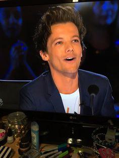 (186) #LouisOnAGT hashtag on Twitter