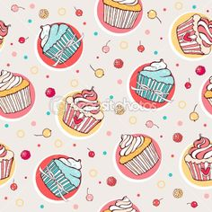 Seamless pattern with cupcakes — Stock Vector #7437795