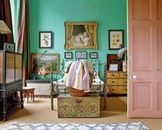 Aqua green traditional bedroom with gallery wall and pink door Quirky Bedroom, Bedroom Green, Trendy Bedroom, Bedroom Decor, Eclectic Bedrooms, Bohemian Bedrooms, Blue Bedrooms, Bedroom Ideas, English Bedroom