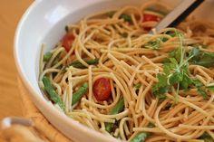 lemon pasta salad with asparagus & tomatoes