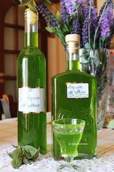 Liquore all'alloro