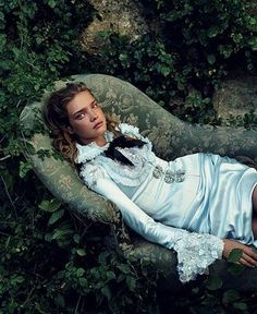 Natalia Vodianova in 'Alice In Wonderland' by Annie Leibovitz for Vogue US December 2003