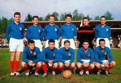 France 2 Scotland 1 in 1958 in Orebro. The French team group before beating Scotland in Group 2 at the World Cup Finals.