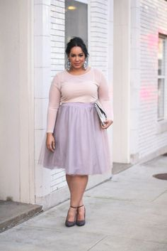 Plus Size Tulle skirt and blush sweater - Beauticurve. For more inbetweenie and plus size style ideas, go to www.dressingup.co.nz