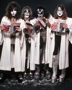 KISS 1977 I Love It Loud, Kiss Group, Detroit Rock City, Peter Criss, Kiss Pictures, Kiss Images, Eric Carr, Vintage Kiss, Kiss Photo