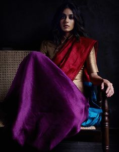 Fashion Tips Color .Fashion Tips Color Saree Wearing Styles, Saree Styles, Indian Designer Outfits, Indian Outfits, Designer Dresses, Indian Clothes, Indian Dresses, Designer Wear, Street Style India