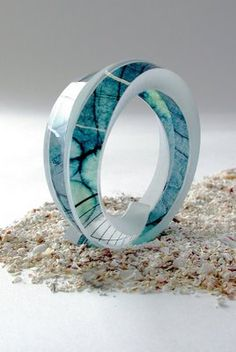 Funky and elegant, these patently unique jewellery pieces integrate architectural plans cast in resin. Resin Jewelry, Jewelry Art, Beaded Jewelry, Silver Jewelry, Unique Jewelry, Jewellery, Acrylic Resin, Resin Art, Craft Markets