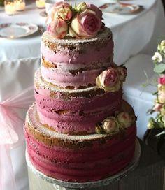 Naked Hochzeitstorte mt Beeren und Blüten | Foto: tortenmacher.com