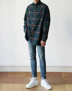 Fashion street style boy 30 Ideas for 2019 Aesthetic Fashion, Aesthetic Clothes, Urban Fashion, Aesthetic Boy, Korean Fashion Men, Ulzzang Fashion, Korean Men Style, Mode Outfits, Fashion Outfits