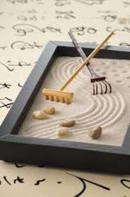 Zen Buddhism is dedicated to the study of nature and humanity's place in the world. Japanese Zen gardens capture the philosophy of making a peaceful way. Miniature Zen Garden, Mini Zen Garden, Zen Sand Garden, Garden Modern, Jardin Zen Interior, Mini Jardin Zen, Feng Shui Dicas, Garden Rake, Pallets Garden
