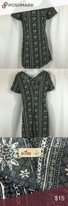 5 for $25 Hollister SZ S Flower Aztec Dress Hollister SZ S Flower Aztec Dress Hollister Dresses