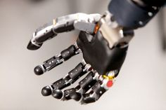 Futuristic, Prosthetics, Future Medicine, Johns Hopkins University, Applied Physics Laboratory, APL, Laboratory, Modular Prosthetic Limbs, Les Baugh, arms, limbs, Prosthetics, Neuroscience, brain, mind, help, cyberpunk, future health, cyborg, cyborgization, Prosthetic, Neurotechnology