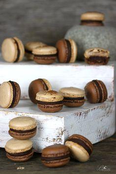 Macarons de chocolate rellenos de ganache de chocolate y ron