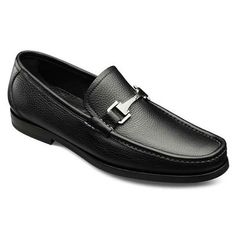 Run the line between classic and modern in the Allen Edmonds Firenze Italian loafers. The classic lines of the shoe mix with the pebbled grain calf and squarer toe to make this shoe perfect for business casual or a nice pair of jeans. Also features bologna construction, silver bit and a rubber sole.