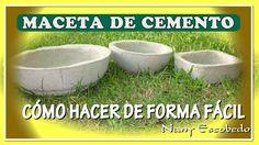 En este video tutorial te enseño a realizar macetas de cemento, en el video te… Cement Planters, Diy Planters, Bonsai, Concrete Bowl, Cement Crafts, Ceramic Pots, Lets Do It, Garden Pots, Dog Bowls