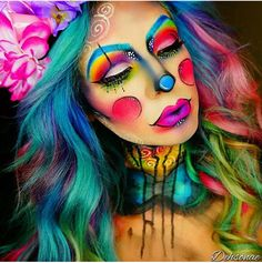 Save this Halloween rainbow clown makeup tutorial. make up face paintings beautiful 44 Times Halloween Face Paint Basically Blew Our Minds Clown Halloween, Looks Halloween, Halloween Face Makeup, Halloween Makeup Clown, Halloween Party, Butterfly Halloween, Amazing Halloween Makeup, Butterfly Fairy, Zombie Makeup