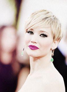 Magenta Lips on Jennifer Lawrence
