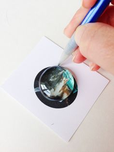 Dollar Store Crafts - Make Your Own Photo Magnets with Glass Gems - Destination Decoration store glass gem crafts How to Make Photo Magnets Morhers Day Crafts, Gem Crafts, Crafts To Make, Dollar Store Crafts, Dollar Stores, Picture Magnets, Grandparents Day Crafts, How To Make Photo, Dollar Tree Gifts