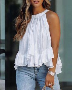 Chic Type, Trend Fashion, Women's Fashion, Fashion Online, Fashion Design, Summer Outfits Women, Ruffle Top, Ruffle Blouse, Peplum