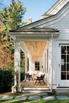 65 Stunning Farmhouse Porch Railing Decor Ideas - Page 55 of 65 - Abidah Decor Modern Farmhouse, Farmhouse Style, White Farmhouse, Farmhouse Front, White Cottage, Farmhouse Ideas, Exterior Design, Interior And Exterior, Outdoor Spaces