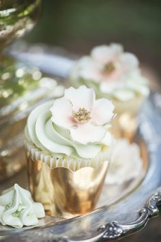 Pretty Cupcakes|Romantic Garden Wedding Inspiration With Vintage Style|Photography: L'Estelle Photography