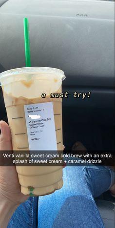 Starbucks Hacks, Starbucks Secret Menu Drinks, Starbucks Coffee, Iced Coffee, Healthy Starbucks Drinks, Yummy Drinks, Coffee Drink Recipes, Coffee Drinks, How To Order Starbucks