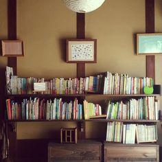 acicombさんの、日本家屋,額縁,長屋,絵本棚,漆喰壁,和と洋の融合,コンテスト参加中,土間で絵本のとしょかん,土間のある暮らし,玄関,のお部屋写真