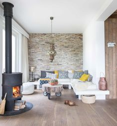 Small living room decor ideas that will make your interior feel larger and bring a stylish update to your living space. See the best designs for your home. White Corner Sofas, Living Room Designs, Living Spaces, Light Wooden Floor, Wood Floor, Home Salon, Wooden Flooring, Home And Living, Small Living