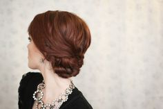 The Freckled Fox : Holiday Hair Week: The Low Knotted Bun