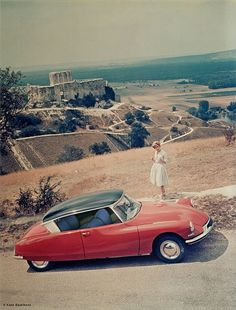 Citroen DS Coupe, penned by Bertone. Never became a production model