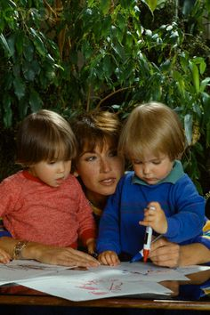 Babies Green in May, 1982. Eve is the girl in blue
