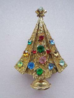 Vintage Hollycraft Christmas Tree Pin