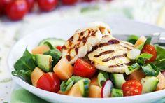 Medelhavsmat och kost från Medelhavet sägs öka livslängden, motverka sjukdom och underlätta för den som vill gå ner i vikt. Här hittar du fakta om medelhavsmat och läckra recept!