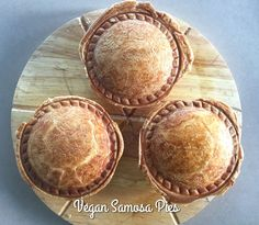 Vegetable Samosa, Vegetable Pie, Puff Pastry Pizza, Puff Pastry Sheets, Sunbeam Pie Maker, Mini Pie Recipes, Vegan Recipes, Just Pies, Waffle Iron Recipes