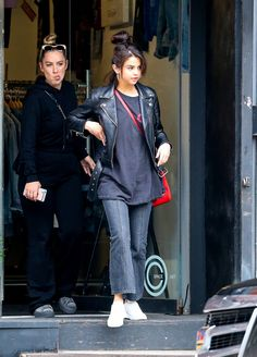 Selena hits up the trendy Vintage Twin in Soho on September 2, 2017