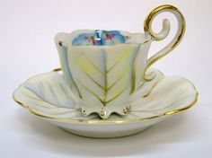 BEAUTIFUL VINTAGE UCAGCO OCCUPIED JAPAN MINIATURE TEA CUP AND SAUCER WHITE